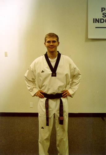 Learn To Tie Your Taekwondo Belt