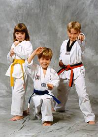 Taekwondo Kids1 (15117 bytes)